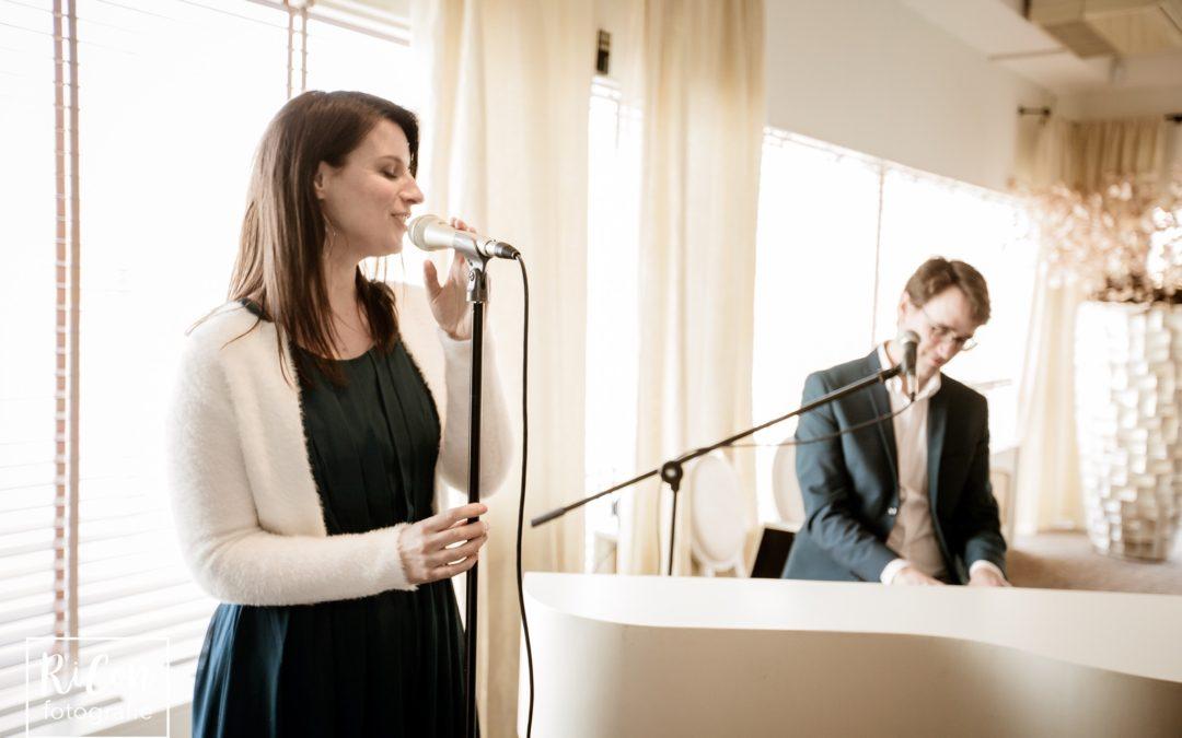Mooie Nederlandstalige liedjes voor je bruiloft: 15 tips